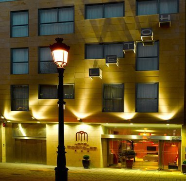 Hotel in Logroño, bordering Saint James way