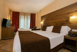 Our hotel in Andorra has 18 triple exterior rooms equipped ...