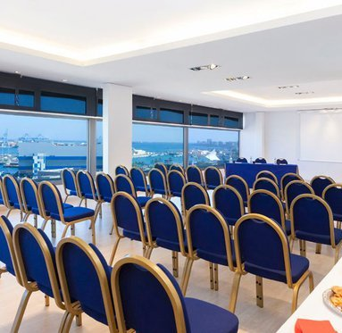 Plan your meeting in a perfect setting.
