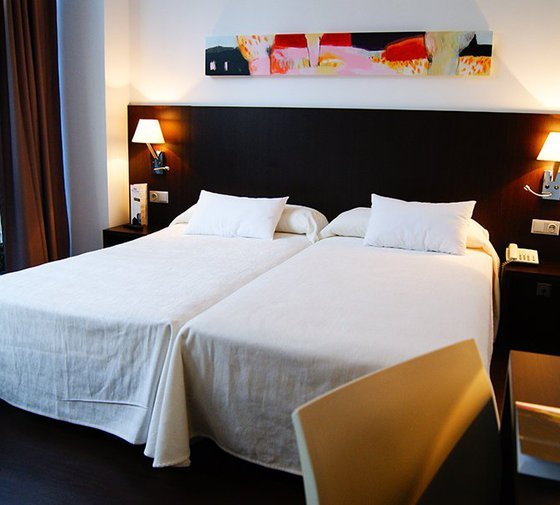 The Hotel Sercotel Plana Parc offers comfortable single rooms, all ...