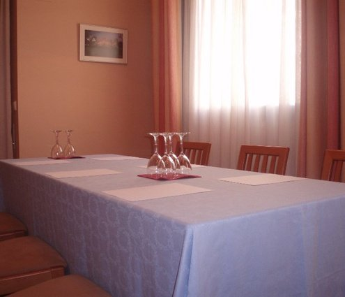 Sercotel Aparthotel Suites Huesca has a private 20-m² room, ideally ...