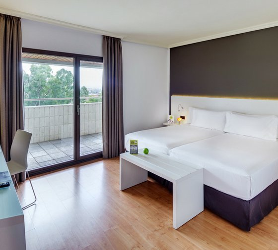 The Sercotel Gran Hotel Zurbarán features elegant and well-lit double ...