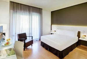 In the Sercotel Gran Hotel Zurbarán you will find modern ...
