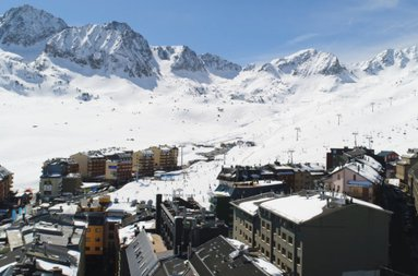 Get your ski passes to the ski slopes of Grandvalira ...