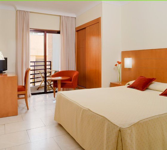 The double rooms with exterior views of the Sercotel Hotel ...