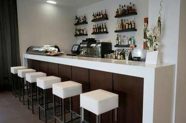 We offer our bar to all our customers.