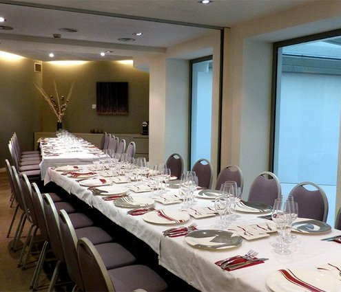 The combination of these two function rooms allows you to ...