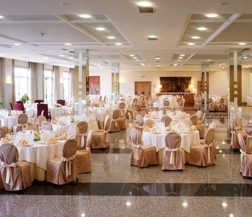 The Madrid function room at the Gran Hotel Los Abetos ...