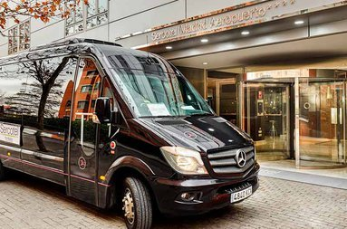 The hotel offers a shuttle service between Sercotel Madrid Aeropuerto ...