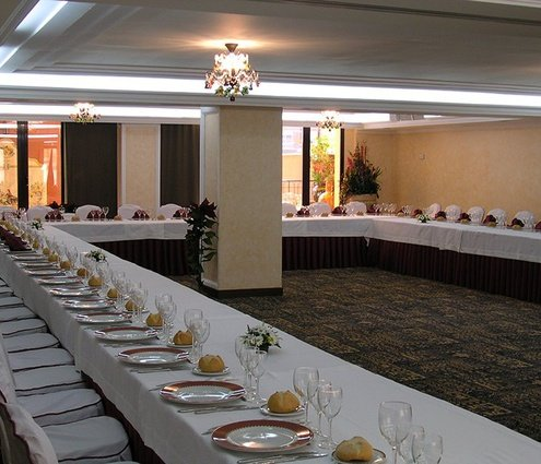 The Úbeda room, with  69m2, its perfect  to organice business ...
