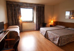 At the Sercotel Domo you will find spacious triple rooms ...