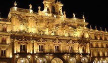 Welcome to our hotel in the center of Salamanca.