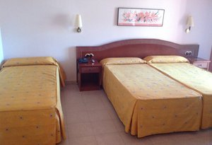 In our Cérvol Hotel have triple rooms for your stay ...