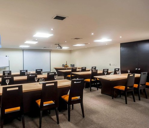 This 31-m² room has capacity to organise business events, cocktail ...