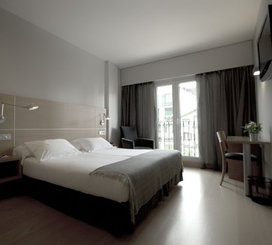 The Sercotel Hotel Jauregui the guest will find 36 rooms ...