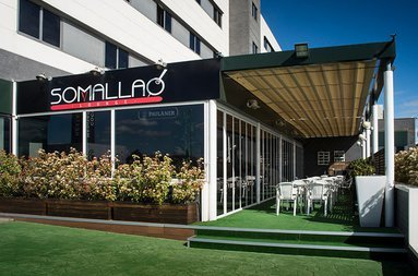 In Somallaó restaurant awaits a modern and friendly atmosphere.
