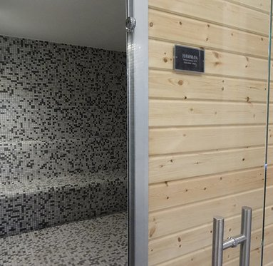 The facilities include a wet sauna