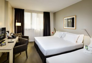 The  Sercotel Ámister  has rooms that can accommodate three people ...