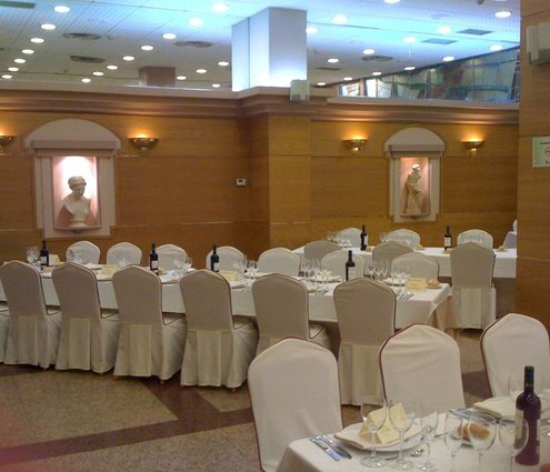 The full function room, very large, high ceilings, natural daylight ...