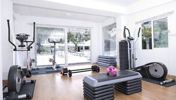 Take advantage of the hotel gym Dalí, fully equipped