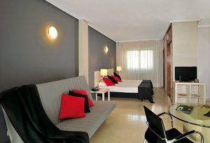 Meet our Family rooms in Madrid. With a capacity for ...