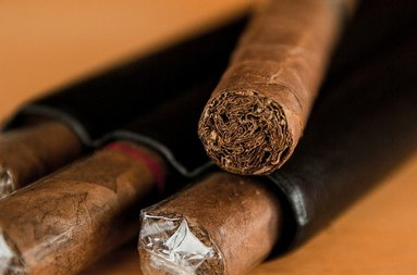La Casa del Habano  sells cigars, tobacco, cigarettes and tobacco-related ...