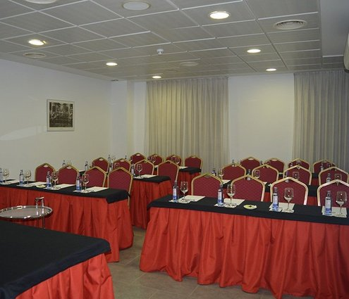 Our hotel features the Odeón meeting room for your large ...
