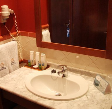 Fully equipped bathrooms with amenities