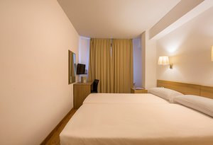 The Hotel Catalunya Ski standard two-bedded rooms are a highly ...