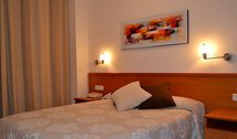 Come to Huesca and stay at the Apartahotel Suites Huesca