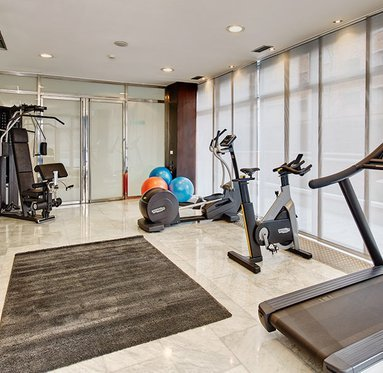 A gleaming gym, ideal to keep fit during your stay