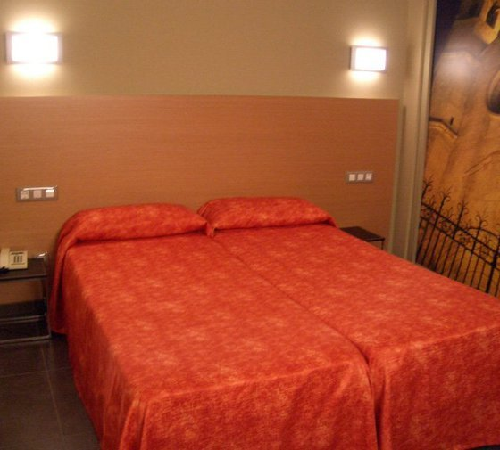 The twin rooms have two single beds, are 12 square ...