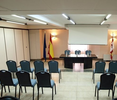 The Gredos room is 295 m² and can be divided ...