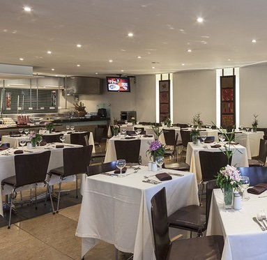 Mediterranean and Italian cuisine with spectacular city views