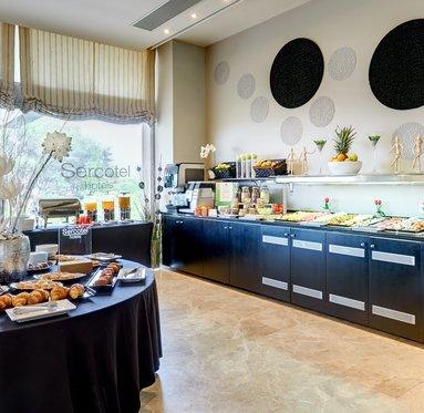 Start your day with a delicious buffet in our restaurant.