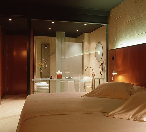 Barcelona Princess Hotel  offers double rooms located in a down ...