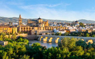 Andalusia is history, sun and the most famous place to ...