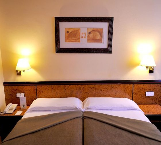 The Sercotel Glòries Hotel has triple rooms with three single ...