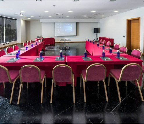 The Sala Canals bids you 114 m² for your meetings ...