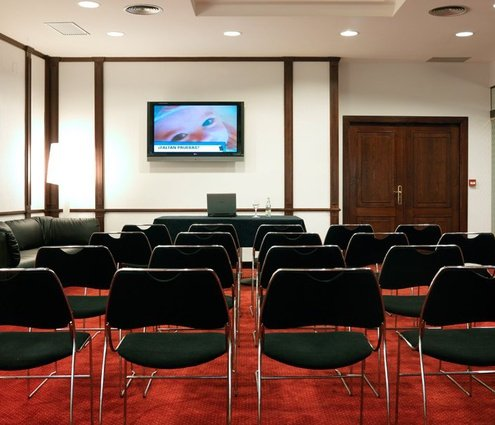 This function room measures 50 m² and has a maximum ...