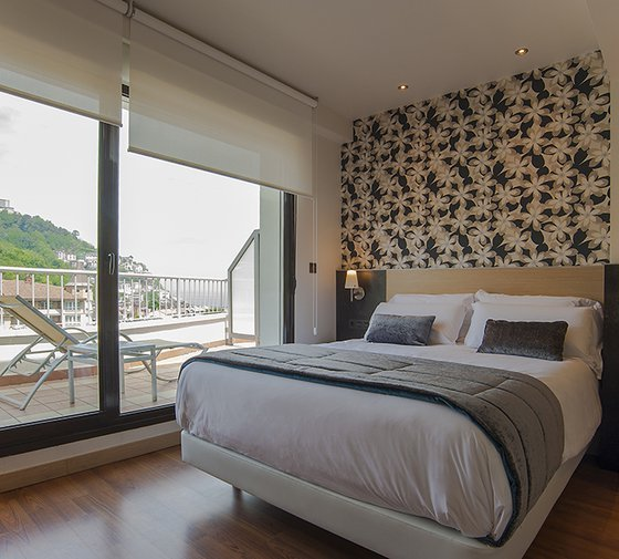 There are 14 single rooms in the Sercotel Codina Hotel ...