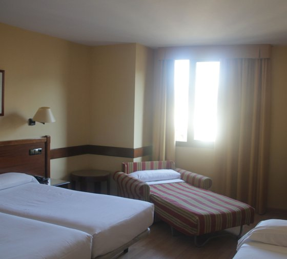 Our hotel in Zaragoza also has four large triple rooms ...