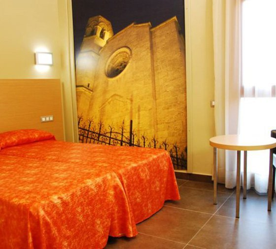 Double rooms at the Sercotel Pere III El Gran Hotel ...