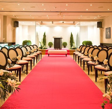 Celebrate your civil wedding in our lounges