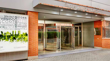 Located in a quiet and well connected residential area, the Sercotel Madrid Aeropuerto hotel is a hotel in Madrid near the Madrid-Barajas airport where you can enjoy different services that will make your trip very comfortable.In the hotel Sercotel Madrid Aeropuerto you will receive a personal service from our team, who provides solutions for the all the needs that the guests may have. Our 4 stars hotel in Madrid has a very convenient location in the north of Madrid and close to the Madrid-Barajas Airport. It is equipped with numerous services and facilities for your comfort, like an outdoor swimming pool (open according to season), solarium terrace, free wifi internet, breakfast buffet... and many other services.In addition, the Sercotel Madrid Aeropuerto is a hotel with shuttle service to the Adolfo Suárez International Airport in Madrid-Barajas. The hotel shuttle bus service is very useful for business clients and all kinds of travellers who fly to or from Madrid airport. Furthermore, for business guests, there are 2 meeting rooms where different events and meetings of a medium-sized company can be held.And if you want to relax, the rooms at Sercotel Madrid Aeropuerto are a magnificent choice for their cosy and quiet atmosphere. In addition to having free Wi-Fi and amenities, our rooms can accommodate up to 4 people, being ideal for families with children and groups of friends.If you travel to Madrid and want to stay near Madrid-Barajas Airport, do not hesitate. Book now at Sercotel Madrid Aeropuerto for all your trips and getaways to Madrid. The official Sercotel Hotels website always offers the best prices and rates for all your reservations.If the clock is your worst enemy, you can use our free shuttle service and never arrive late.