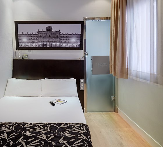 The Sercotel Las Torres Salamanca offers individual rooms with an ...