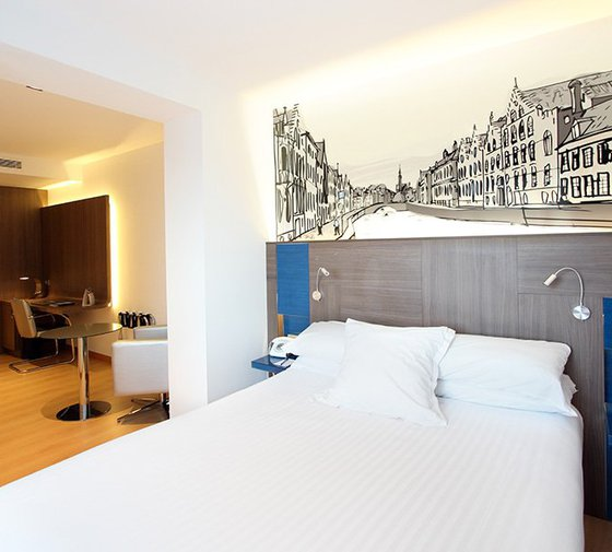 Sercotel  Blue Corunahas complete and modern double/twin rooms overlooking ...