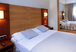 The Sercotel Gran Fama has rooms adapted for people with ...