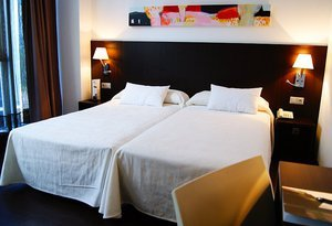 The Sercotel Plana Parc Hotel offers comfortable single rooms, all ...