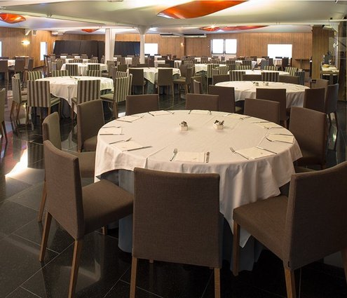 A function room with large capacity, ideal for large events ...